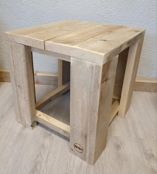 Bijzet tafel 40x40x40cm steigerhout