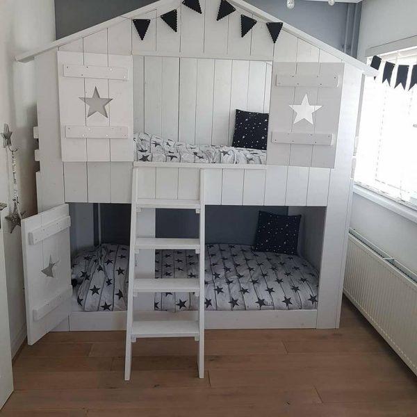 Stapelbed Superstar Wit   Steigerhout   Boomhut bed