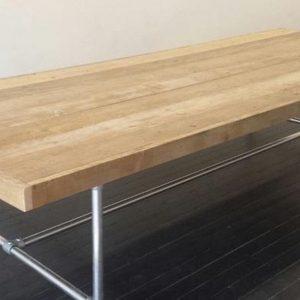 tafel steigerhout met frame van steigerbuis