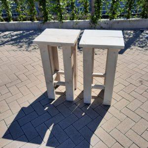2 stuks kruk Barkruk Easy van White Wash steigerhout voor bij een bar tafel / sta tafel