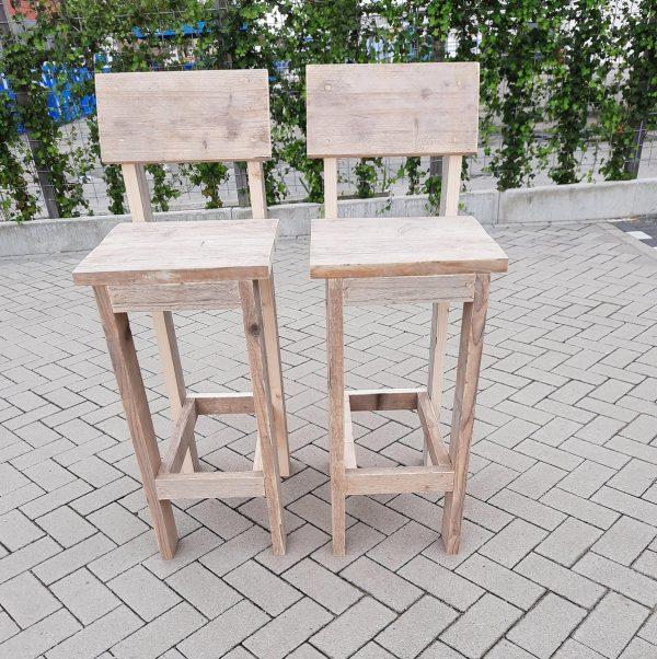 2 x barkruk Back van gebruikt steigerhout