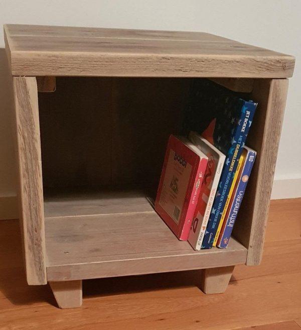 Nachtkastje Steigerhout | Nachtkast | Boekenkast | Gebruikt Steigerhout | Vintage | Landelijk | Industrieel | Hout | Handgemaakt | Steigerhouten kast