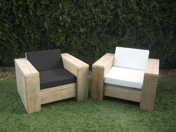 Steigerhout tuinset Block - 60x60 hocker - 2 loungestoelen - oud steigerhout