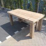 """Tafel """"Blokpoot"""" van Gebruikt steigerhout 96x250cm 8 tot 10 persoons tafel"""