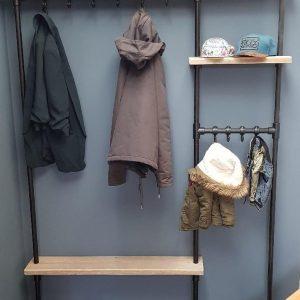 Zwart Steigerbuis kapstok | 122cm | 10 haken | wandkapstok | gebruikt steigerhout | industrieel | vintage | robuust | Steigerhouten | Steigerplank | loft