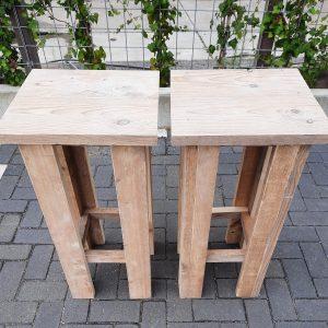 2 stuks barkruk Easy van Gebruikt steigerhout, voor bij een bar tafel / sta tafel