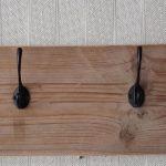 Steigerhouten kapstok 4×2 haken   wandkapstok   Gebruikt steigerhout   hout   industrieel   vintage   robuust   landelijk   Staal  Handgemaakt