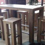 barset tafel met 4 krukken steigerhout